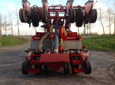 maïsplanter Kongskilde Aeromat 8 rij